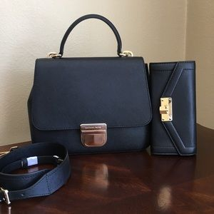 Michael Kors Crossbody Bag & wallet